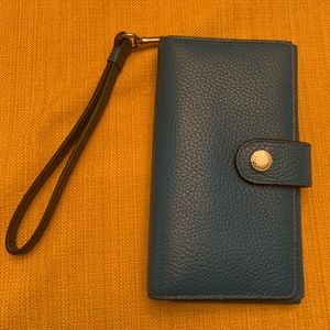 NWT Coach New York Wristlet in Navy Leather
